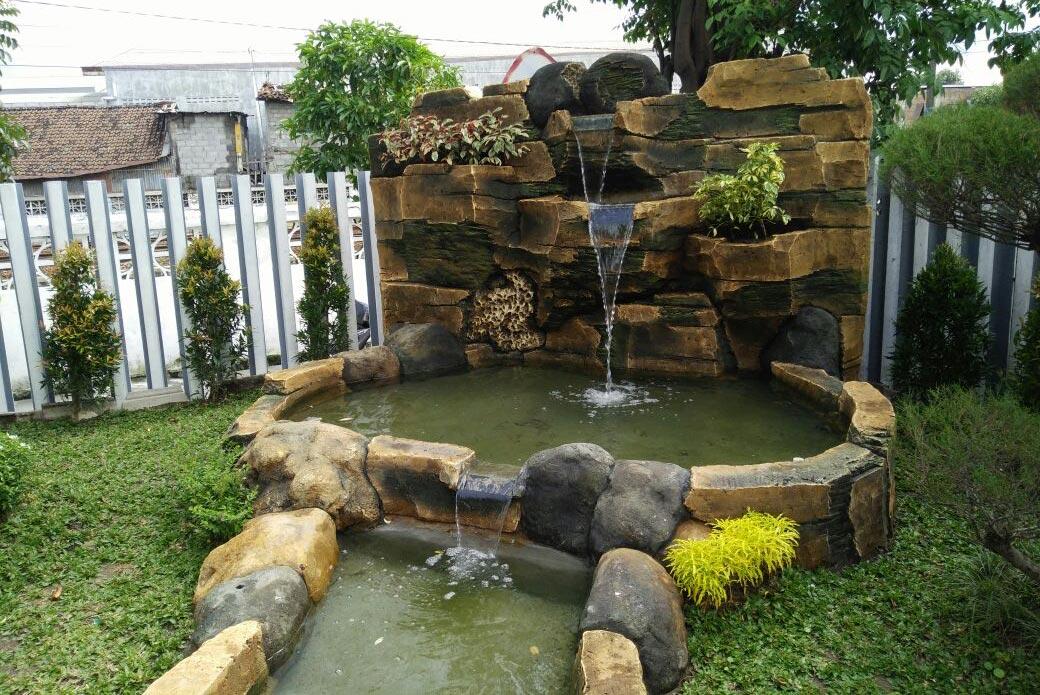 Pembuatan kolam barokah garden